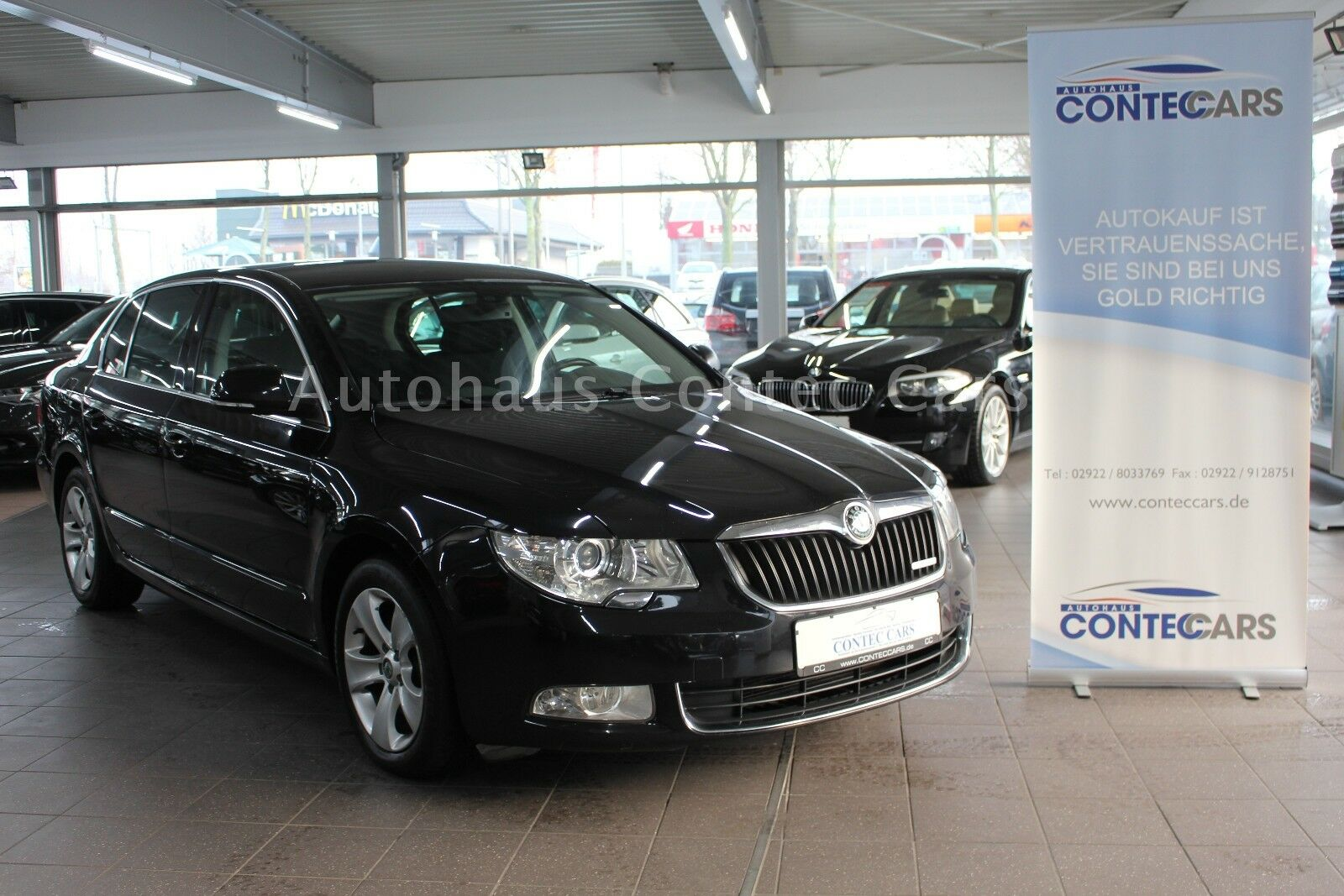 SKODA Superb 1.6 TDI Greenline // Ahk // Navi