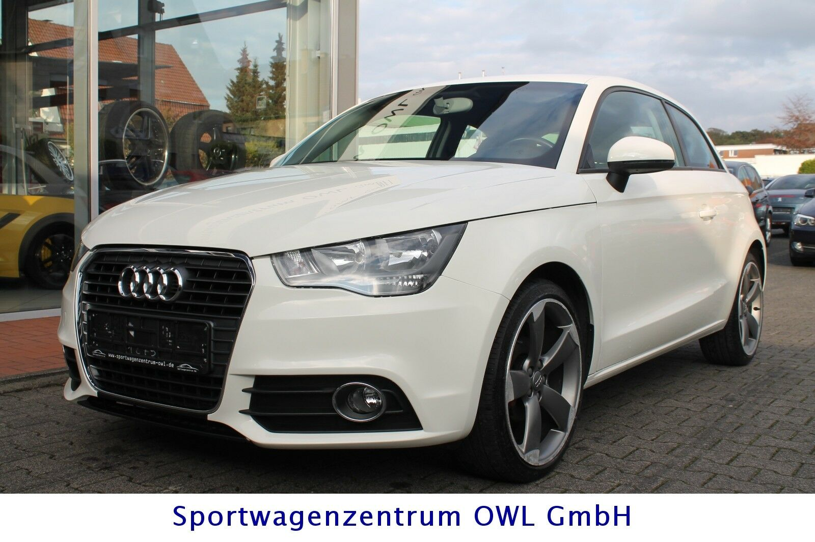 audi a1 ambition 1 2 tfsi ambition sport paket deine. Black Bedroom Furniture Sets. Home Design Ideas