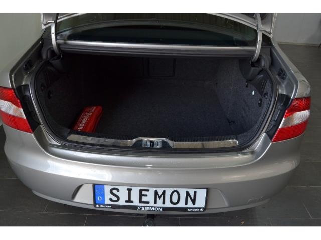 Skoda Superb Ambition 1.6 TDI Kurvenlicht Multif.Lenkr