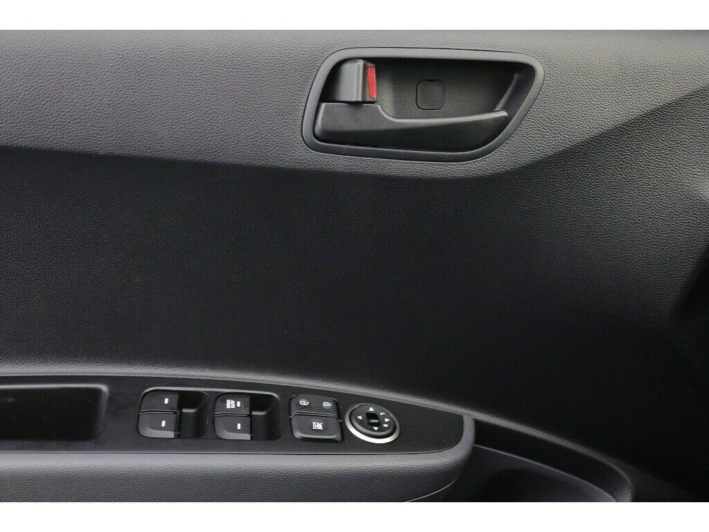 HYUNDAI i10 1.0 Passion GRA Klima SHZ DAB Bluetooth