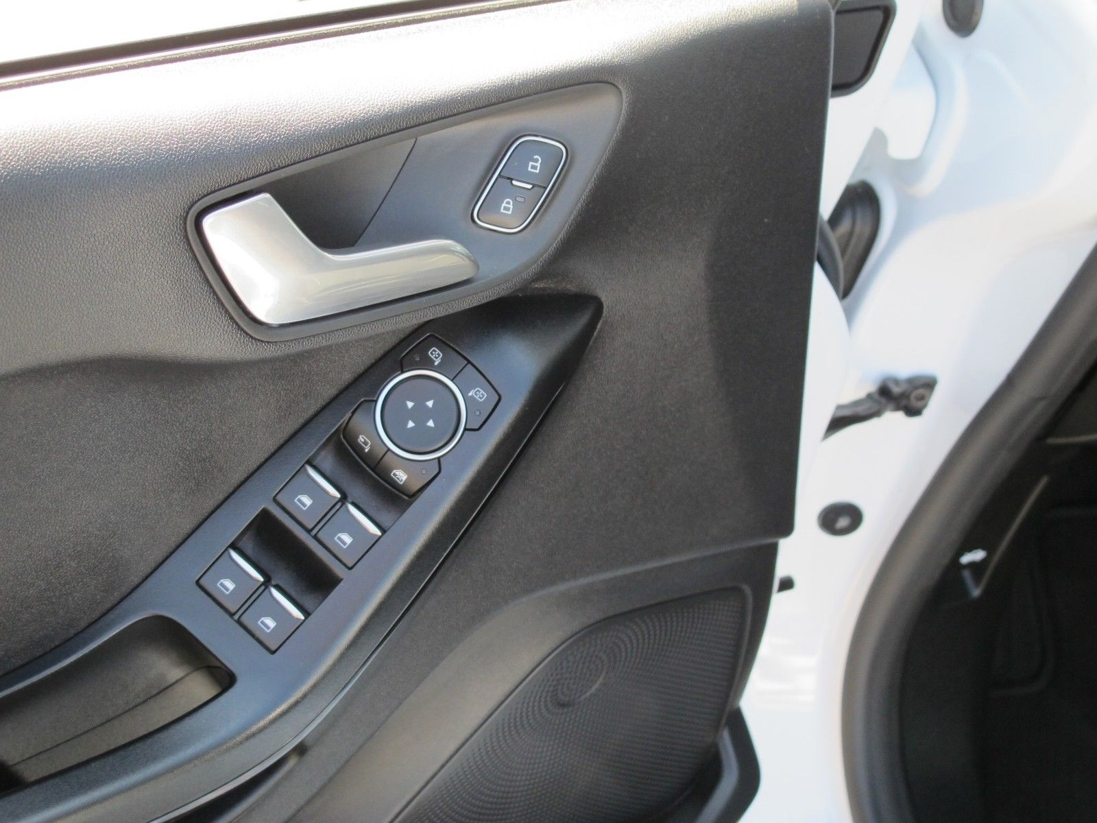 FORD Fiesta Cool&Connect +Panoramadach+Winter-Paket++