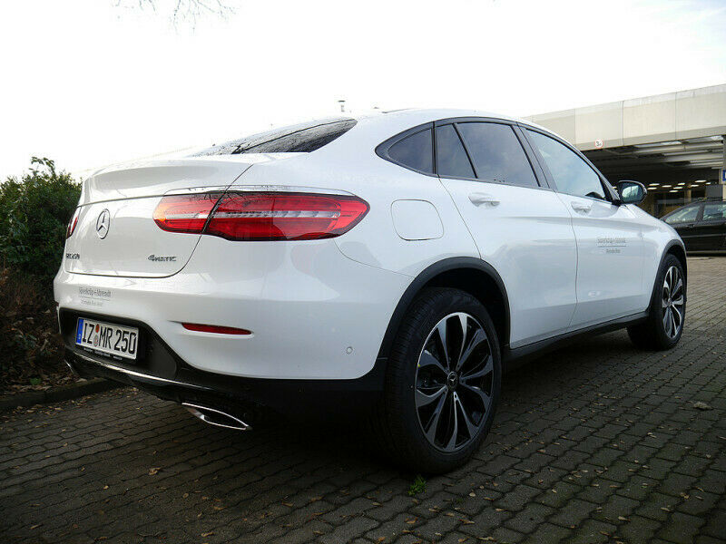MERCEDES-BENZ GLC 250 4M Coupé 20'' Night AMG Inte. 360°/LED