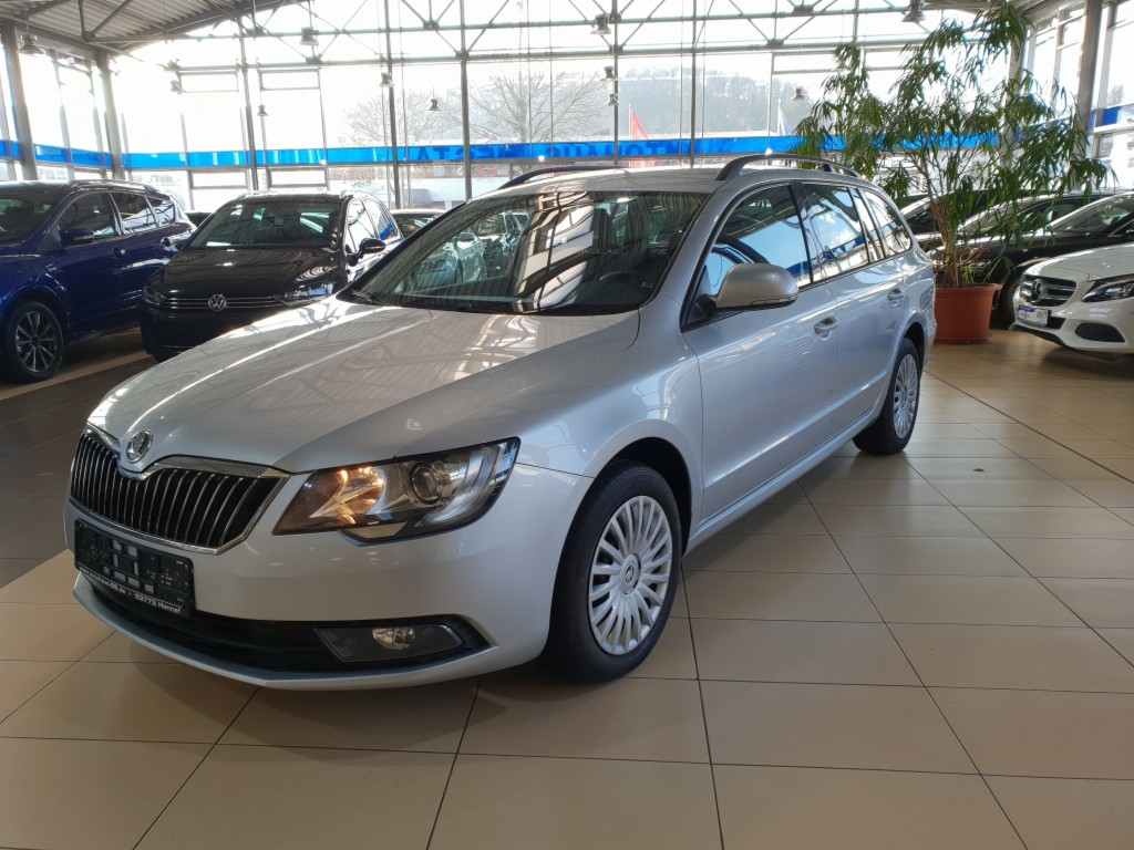 Skoda Superb 2.0TDI Navi PDC Bluetooth AHK SHZ Start S