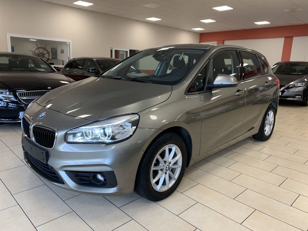 BMW 216d Active Tourer Advantage Navi LED SHZ Parkas