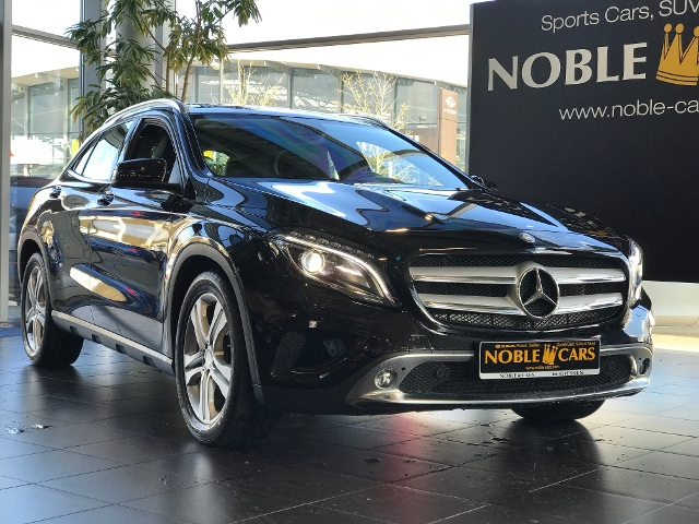 Mercedes-Benz GLA 200 7G-DCT Urban ~ASSIST~XENON~NAVI~1.HD