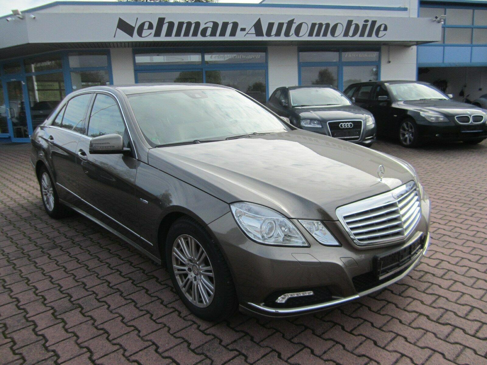 MERCEDES-BENZ E-Klasse Lim. E 350 CGI BlueEfficiency Elegance