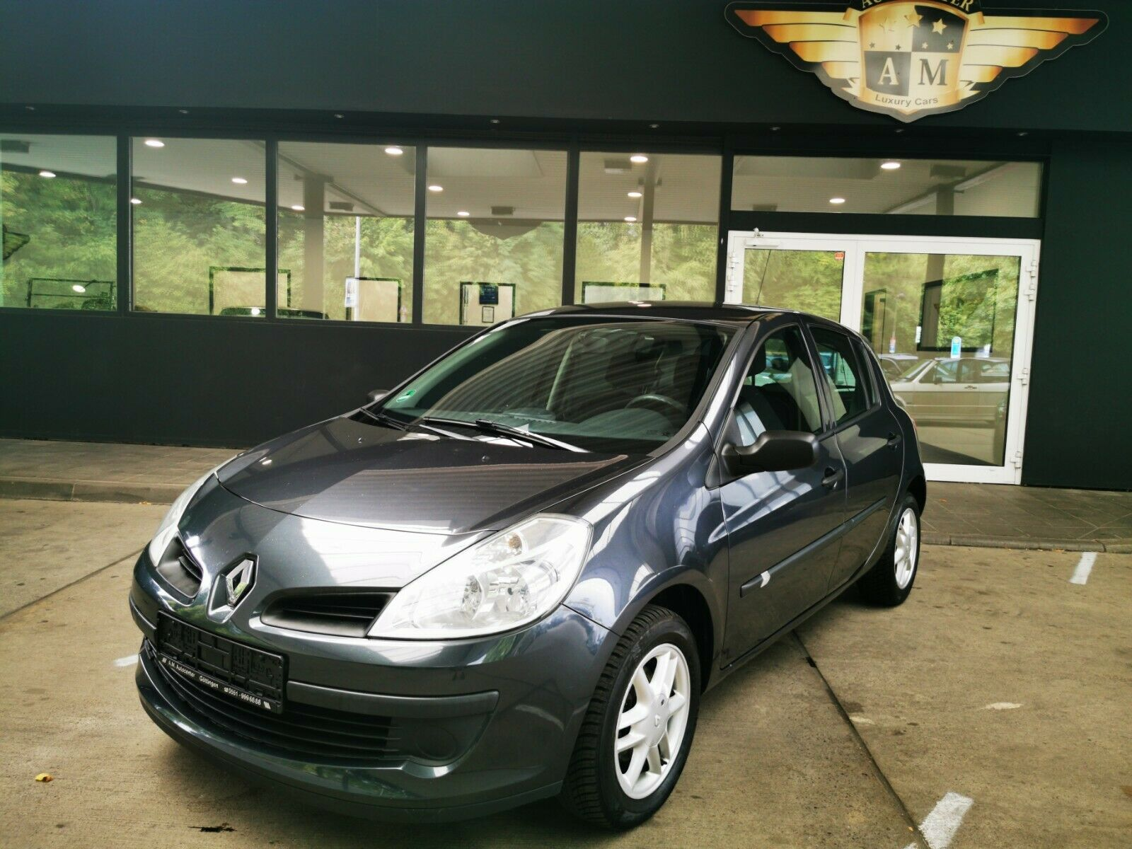 RENAULT Clio III Authentique