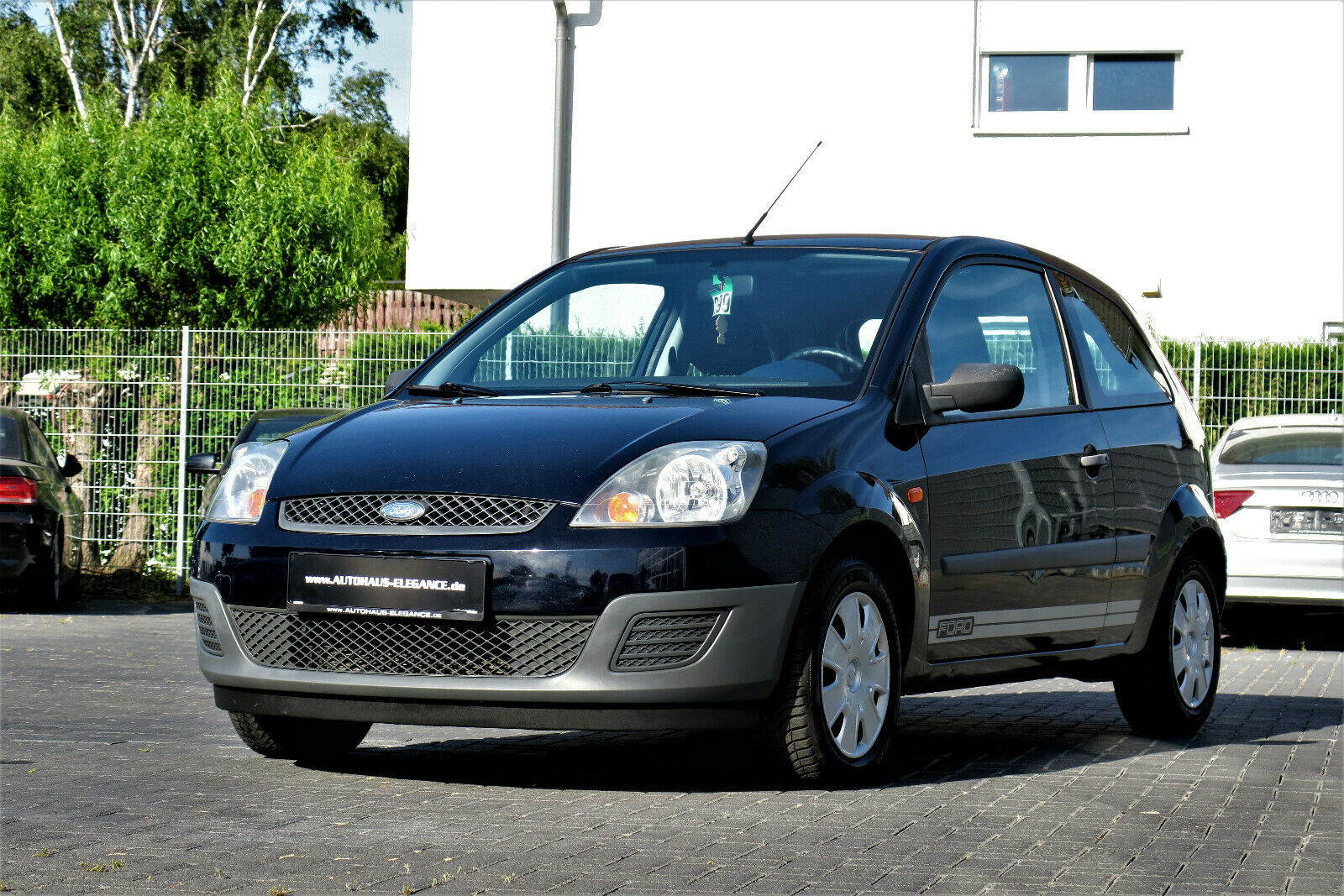 FORD Fiesta 1.3 Ambiente**RADIO/CD**2-HAND**