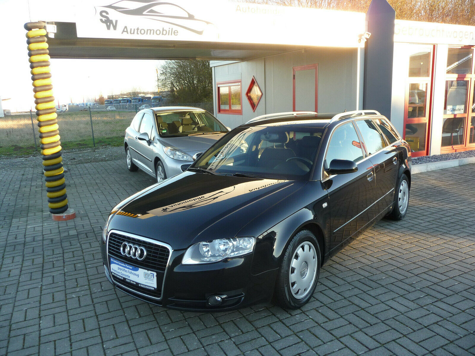 AUDI A4 Avant 2.0 TDI Business Edition Navi AHK 1800k
