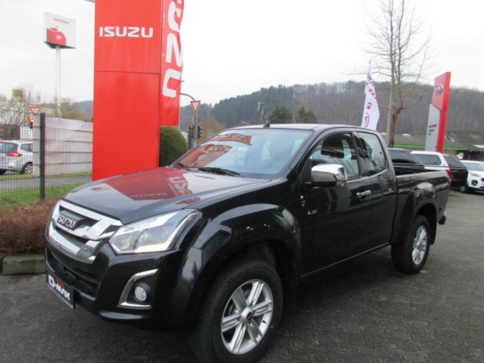 ISUZU D-Max Space Cab AT 4x4 Custom Sofort lieferbar!