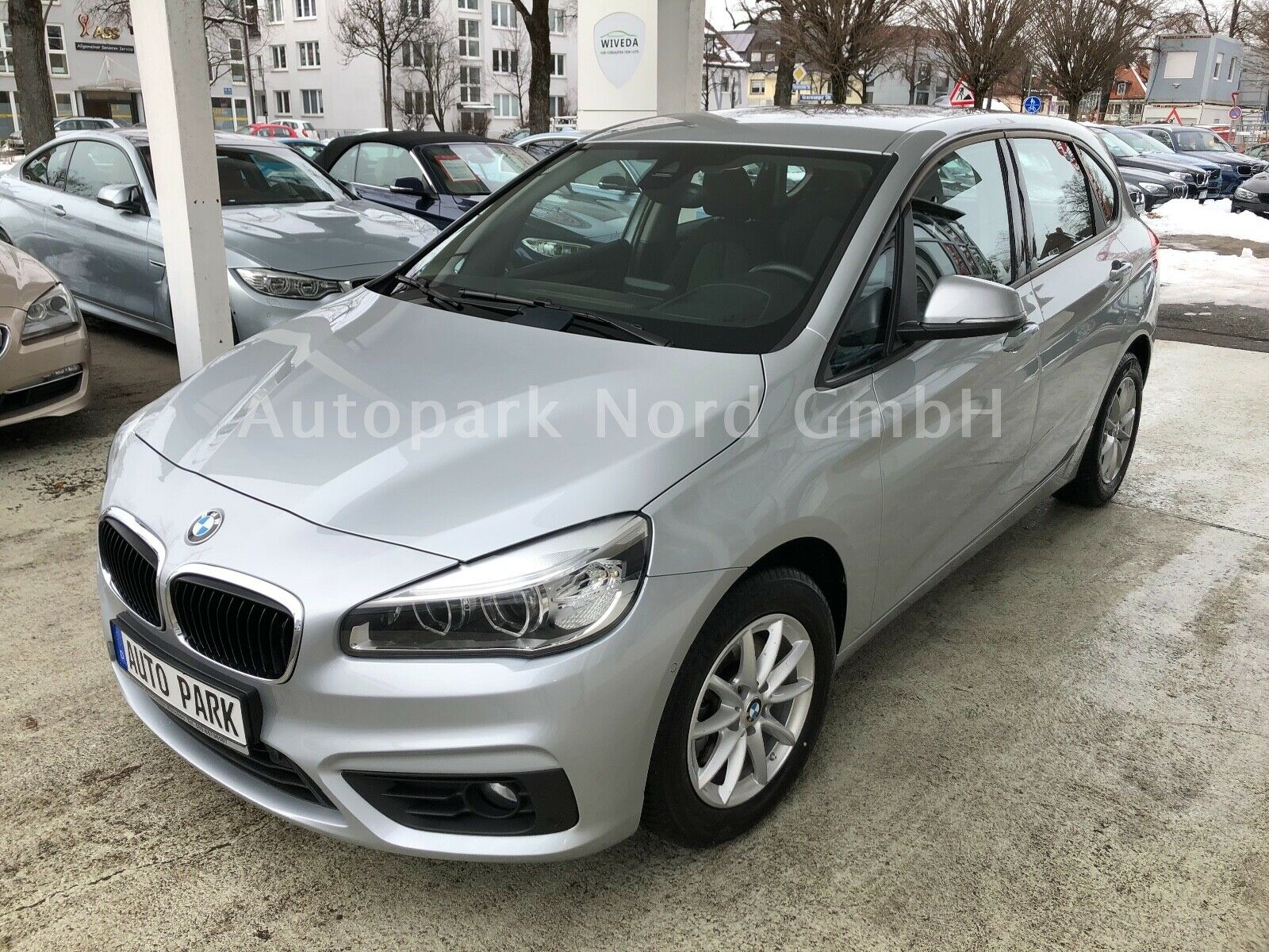 BMW 218i Active Tourer Aut.~NAVI~LED SCHEINWERFER~