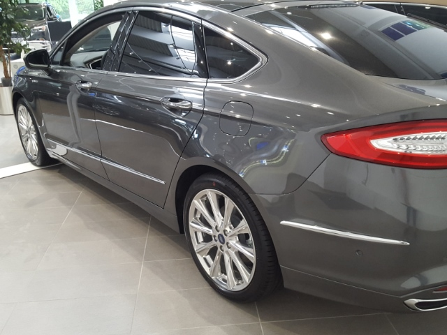 Ford Mondeo Vignale+Navi+LED-Scheinwerfer+Panoramadac
