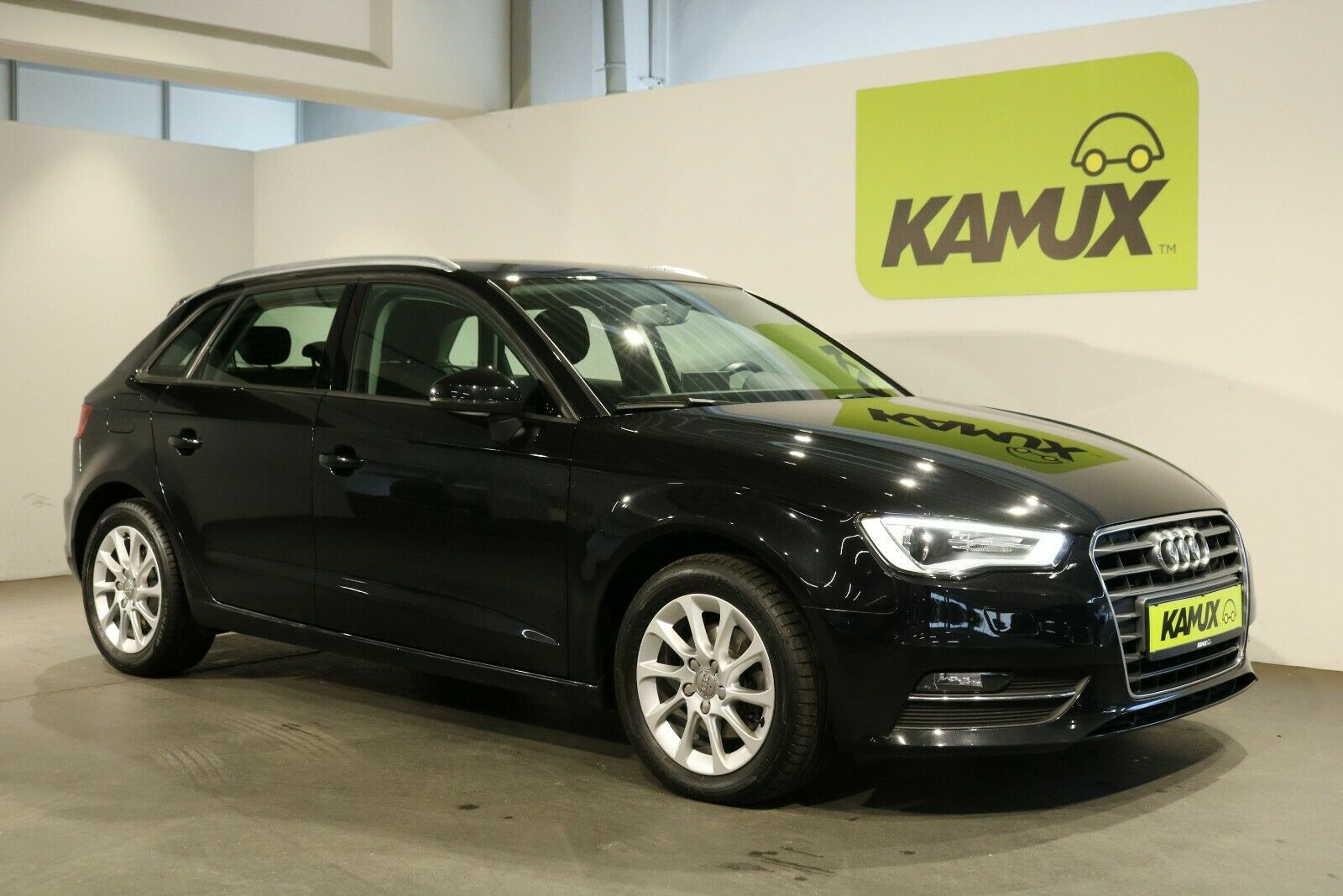 AUDI A3 1.6 TDI Sportback Attraction +Navi+Xenon+SHZ