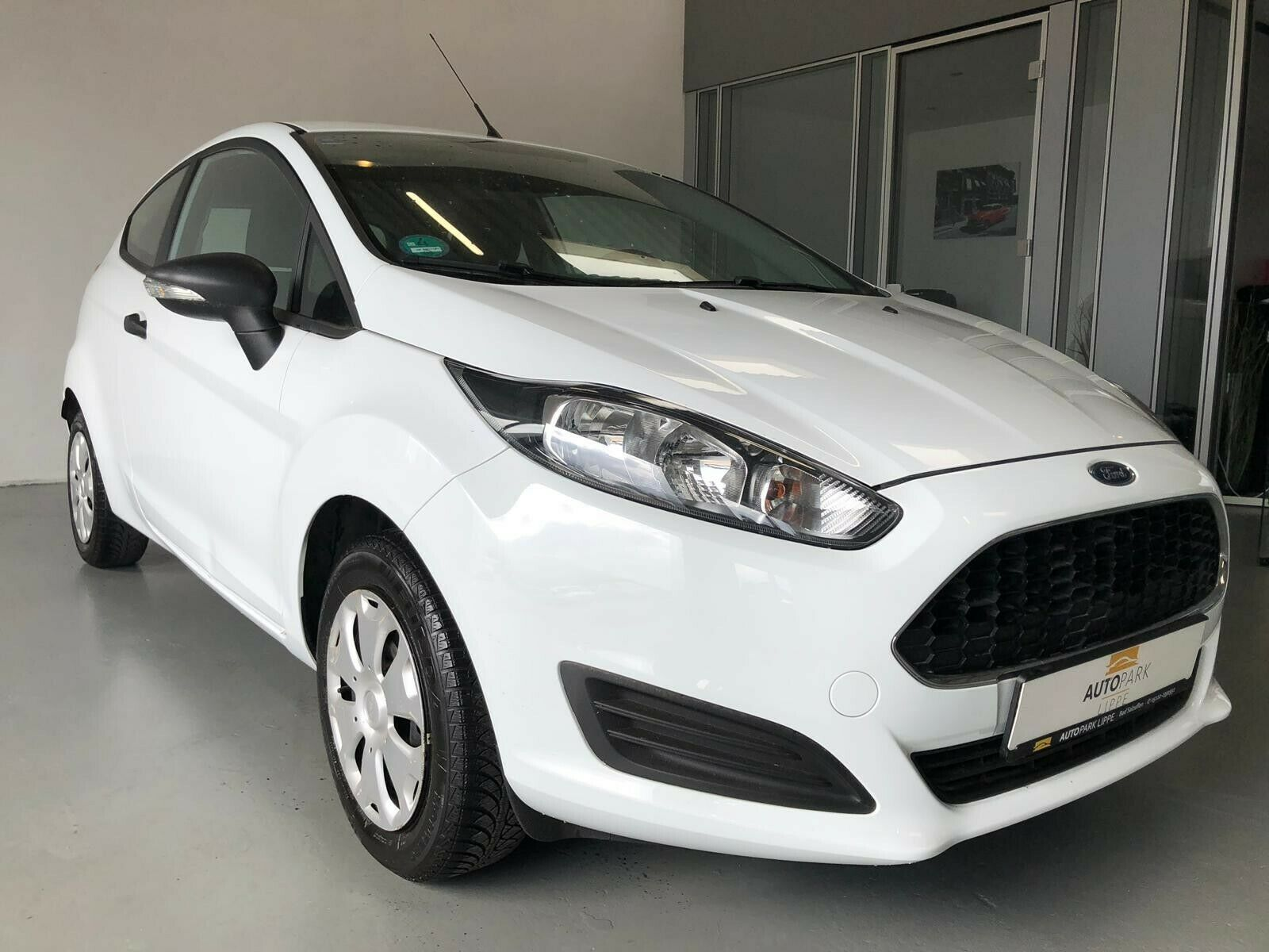 FORD Fiesta Ambiente 1.Hand