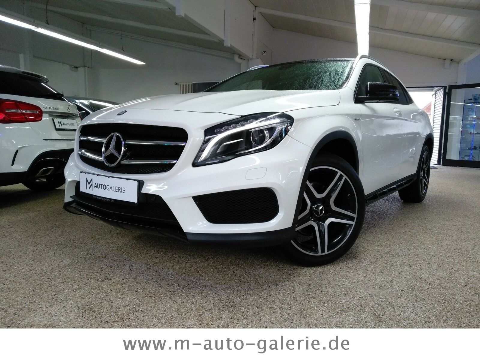 MERCEDES-BENZ GLA-Klasse *GLA 250*4Matic*Edition 1*AMG*