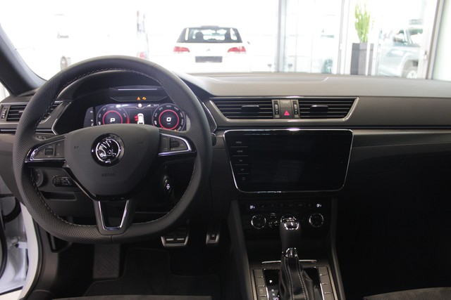 Skoda Superb Combi 2.0 TSI DSG SportLine Matrix LED, C