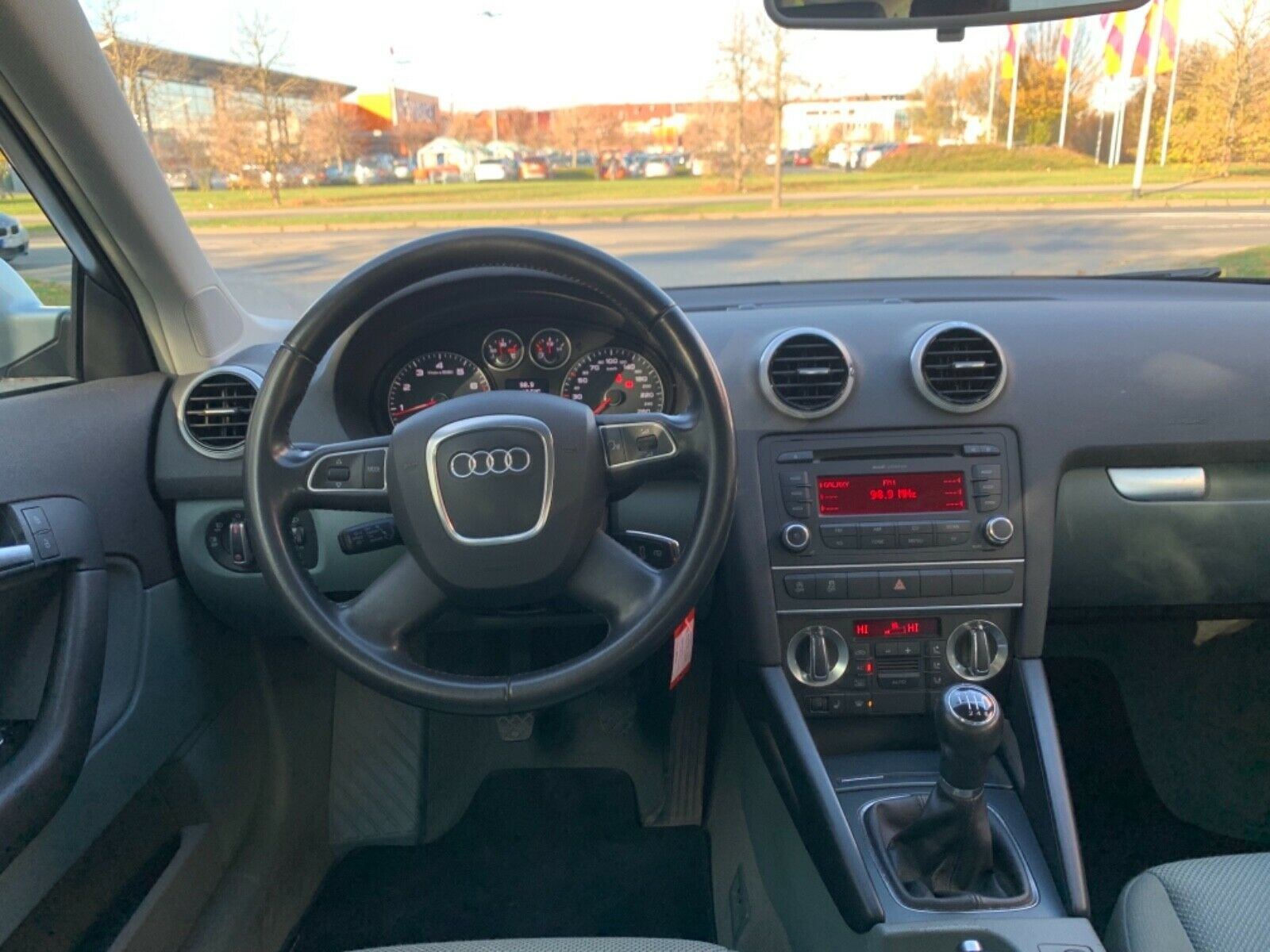 AUDI A3 Sportback 1.2 TFSI Attraction*2.Hand*Sitzhei*