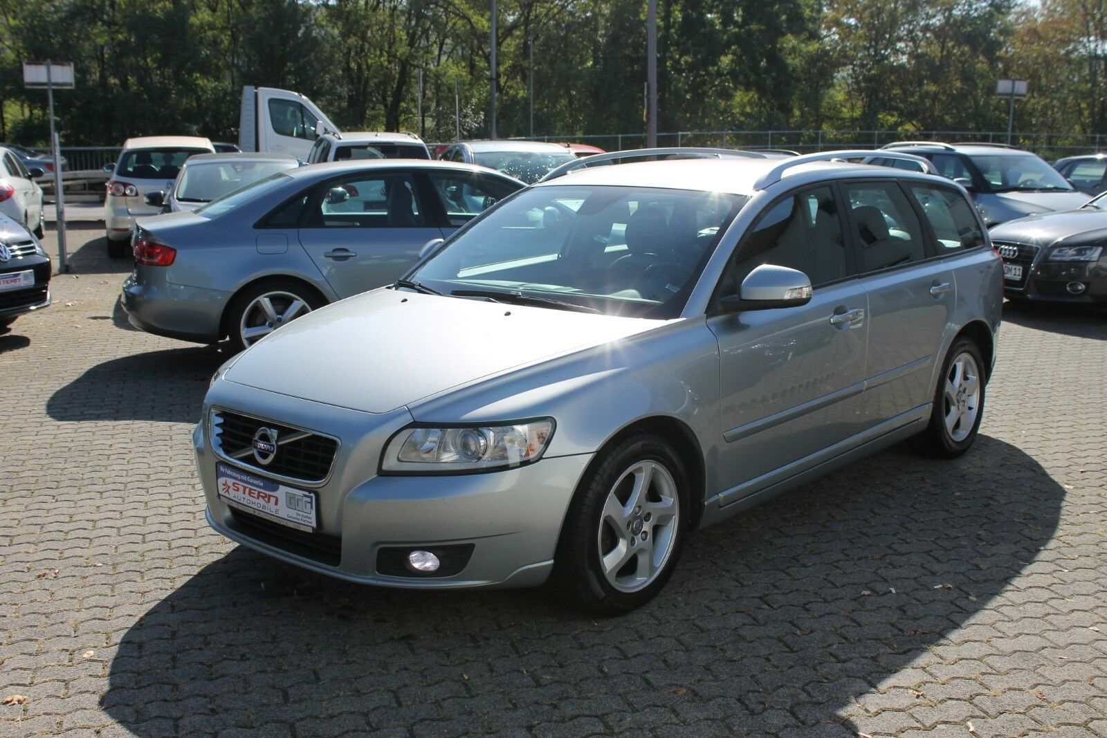 VOLVO V 50 Kombi D3 Business Pro Edition*Top-Zustand*