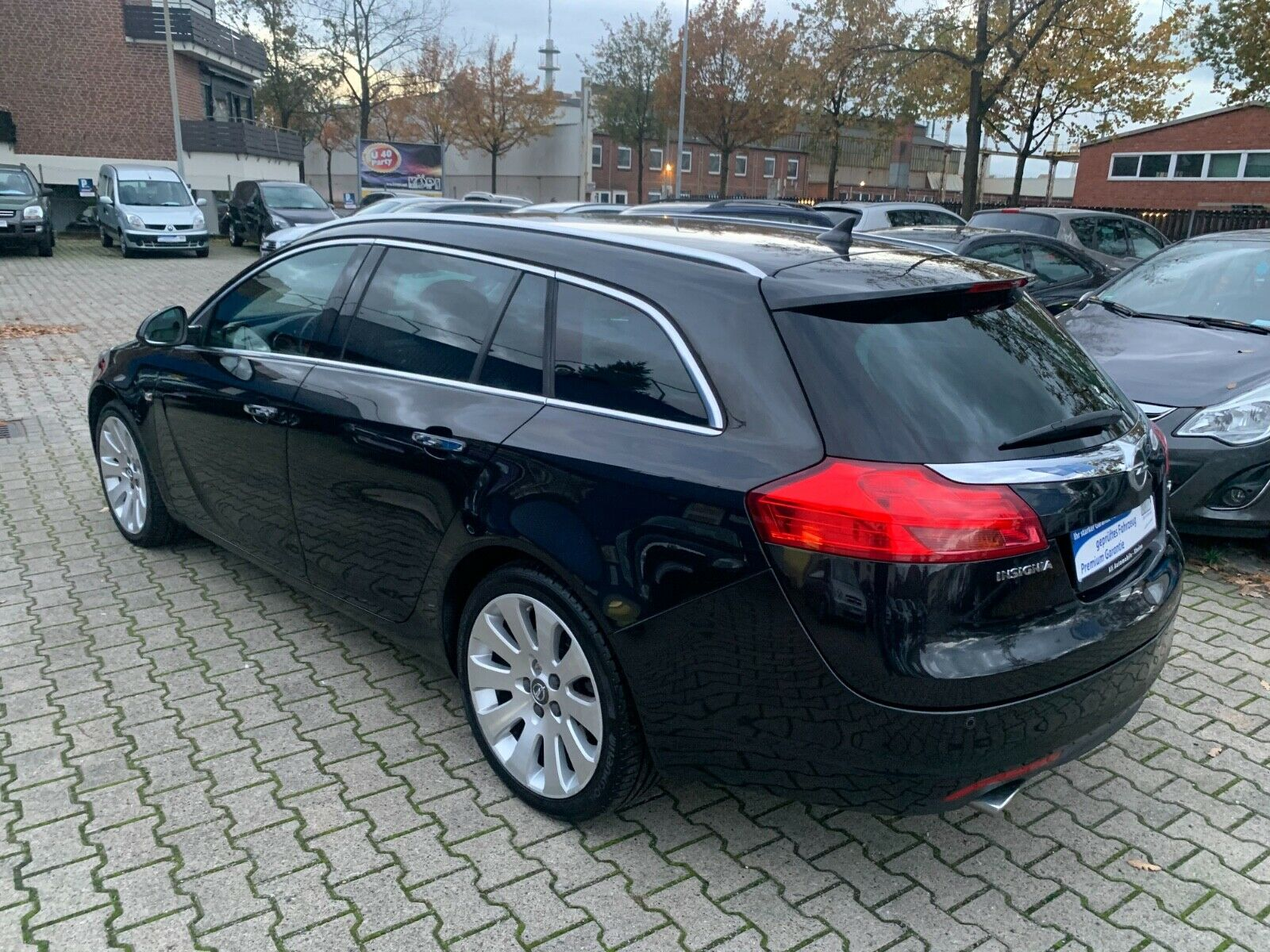 OPEL Insignia-A Sports  V6 Tourer Cosmo 4x4 Voll